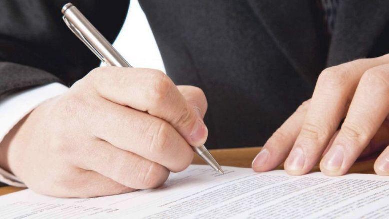 Persoane juridice au obligaţia să încheie contract pentru salubrizare